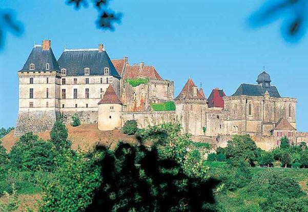 chateau-de-biron-1